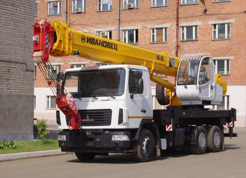 avtokran_ivanovets_ks-45717a-1r-25-31-maz